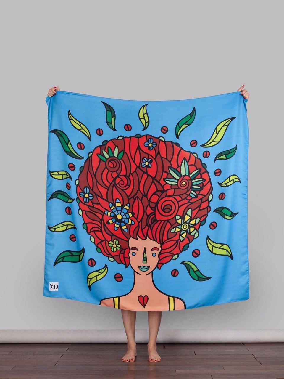 روسری با موهای قرمز بهاری